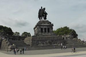 Kolossal monument