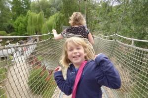 Sur le pont suspendu !